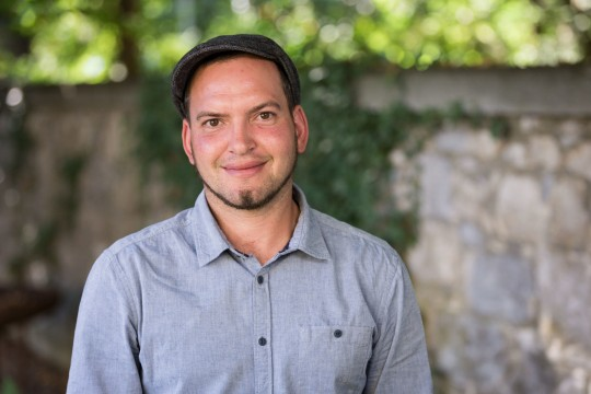 Christian Bauer, Handwerker in der Denkmalpflege FA mit Fachrichtung Pflästerung und Trockenmauerwerke © Raphael Hünerfauth